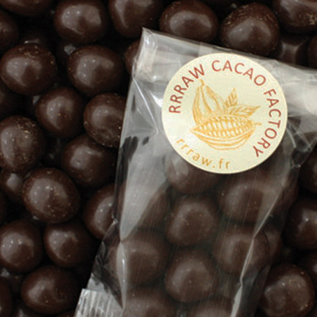 NOISETTES EN ROBE DE CHOCOLAT CRU